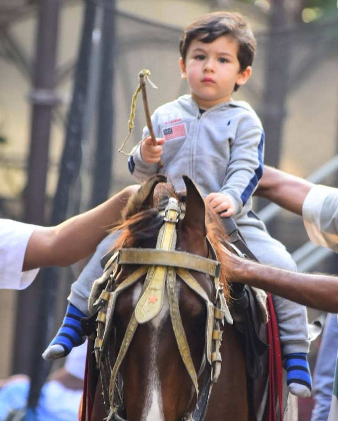 2-taimur-ali-khan-on-a-horse