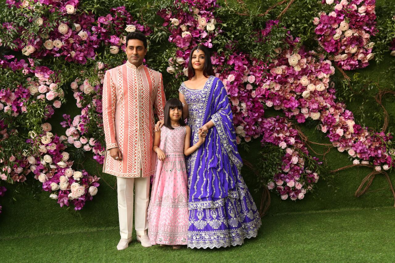 akash-shloka-wedding-abhishek-aishwarya-with-daughter