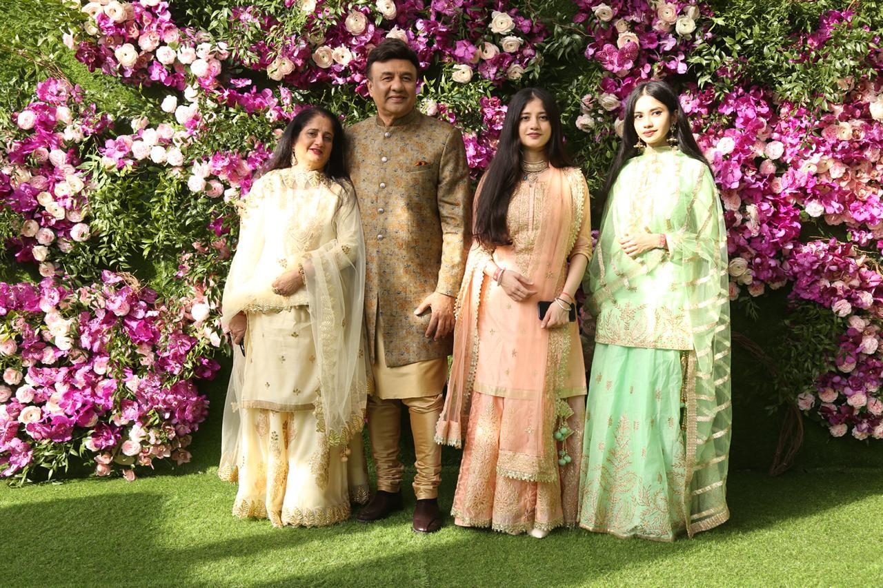 akash-shloka-wedding-anu-malik-with-wife-and-daughters