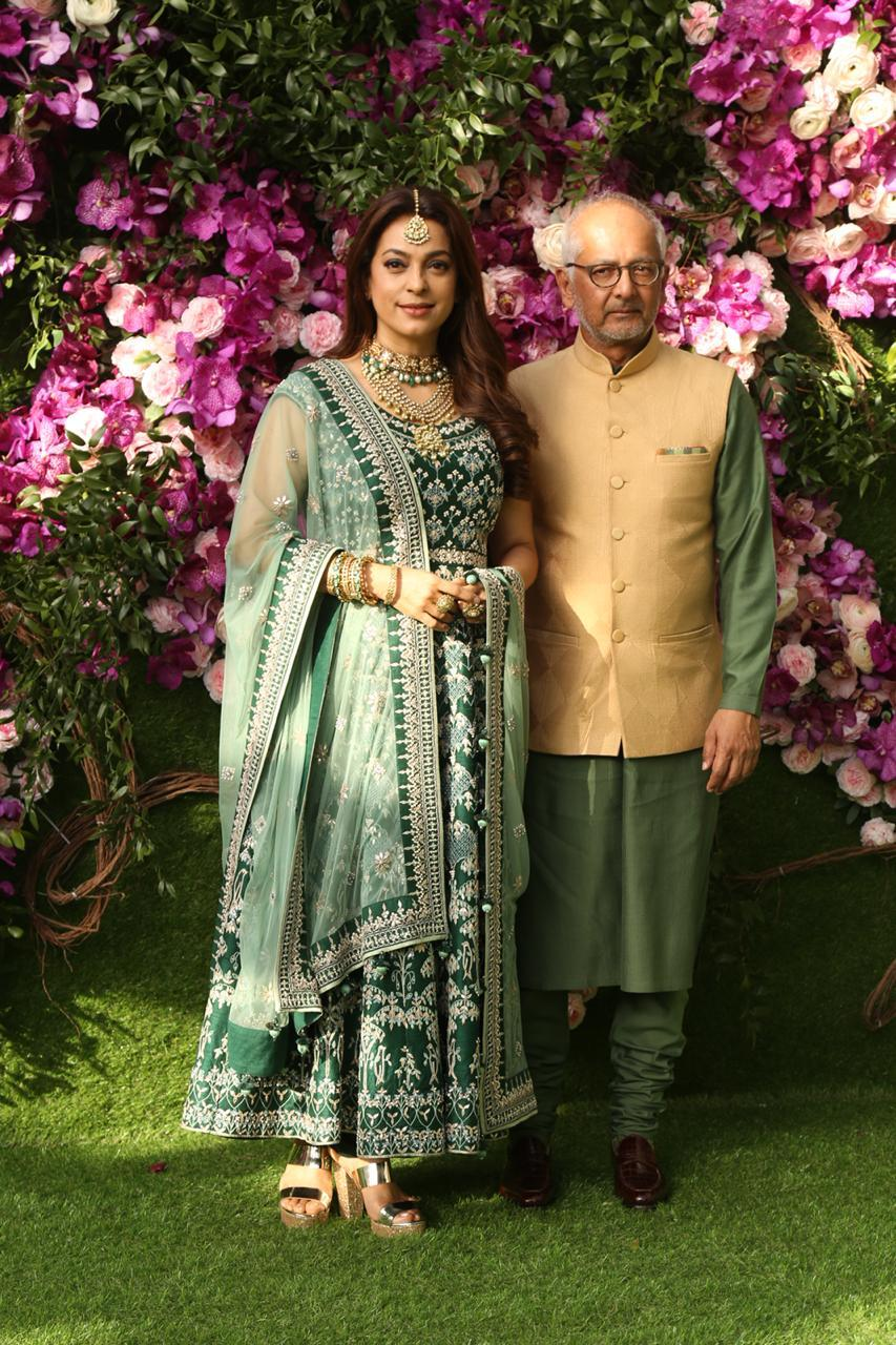 akash-shloka-wedding-juhi-chawla-with-husband