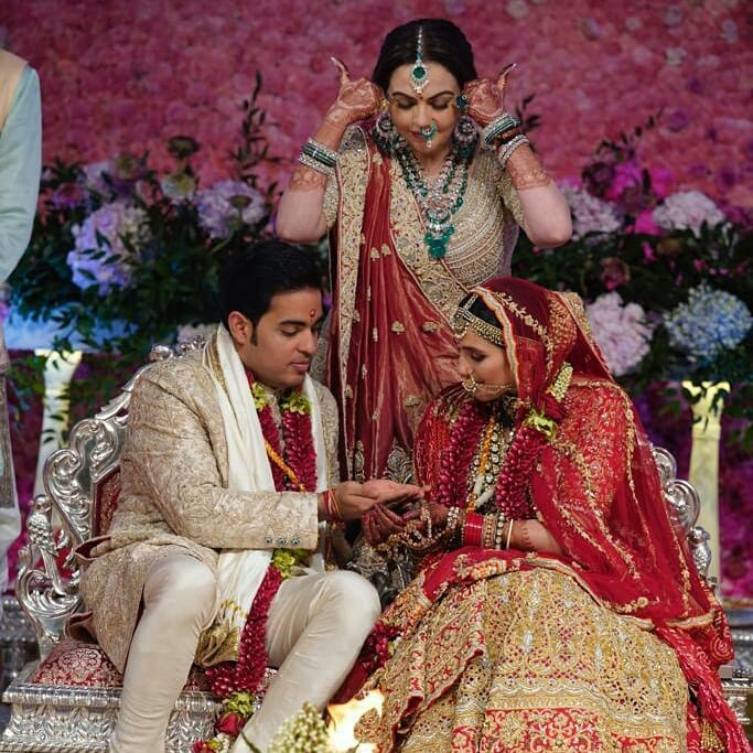 1-akash-shloka-wedding