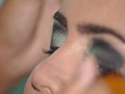 how-to-apply-eyeshadow-3