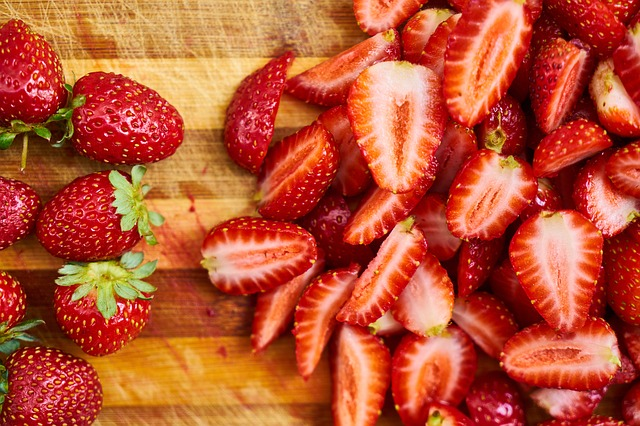 strawberry for weight lose