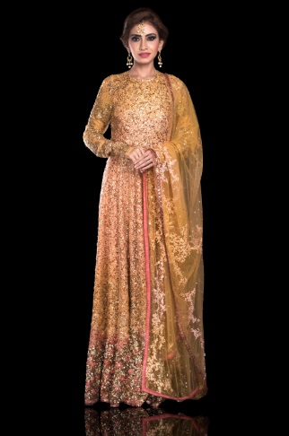 3-sabyasachi-lehengas-on-rent-popxo