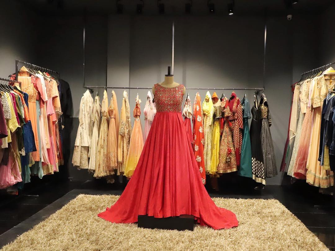 pernia's-pop-up-shop for online shopping