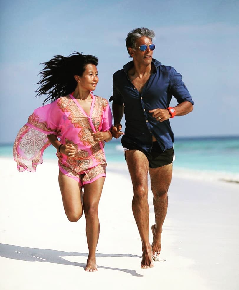 4 milind soman gets cozy with wife ankita