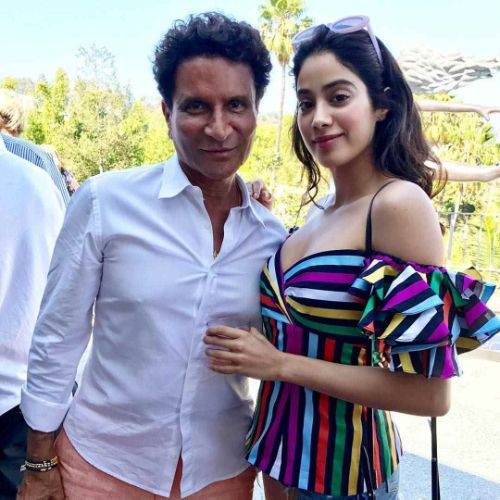 janhvi kapoor-repeating outfit-usa-vacation