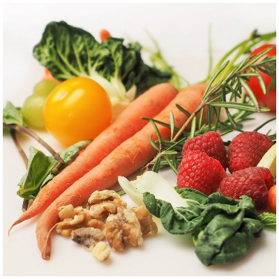 Eat vegetables to reduce acne