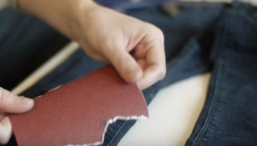 step-by-step-tutorial-diy-ripped-jeans-05