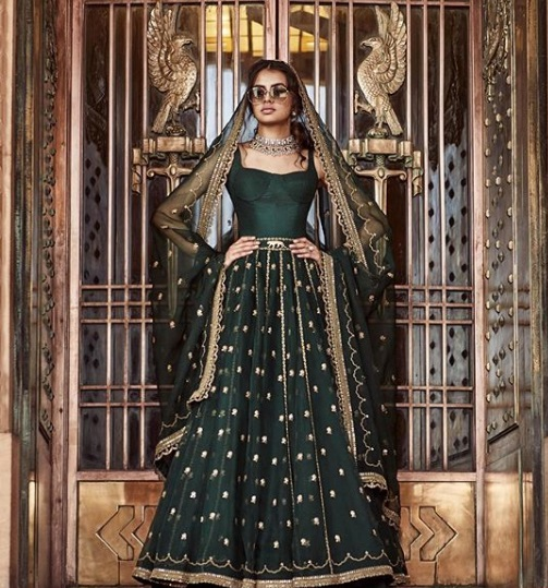 7-sabyasachi-lehenga-accorsing-to-zodiac-cancer