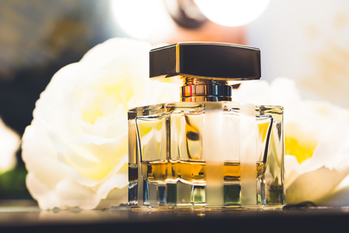 how-to-use-perfume-for-long-lasting-fragrance %284%29