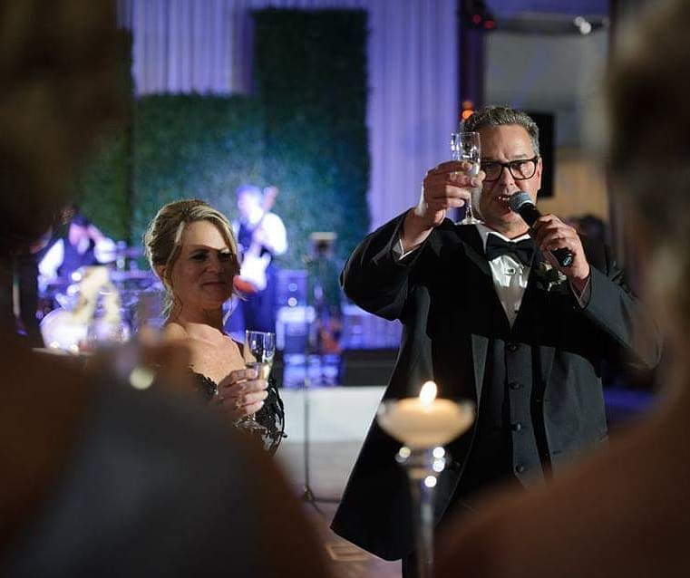how-to-raise-a-wedding-toast-parents