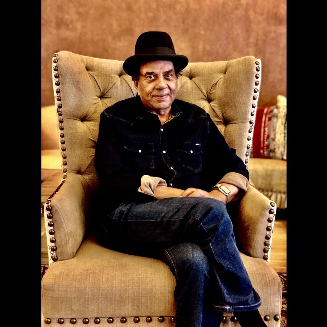 First Salaries Of These B-Town Stars Will Surprise You - dharmendra