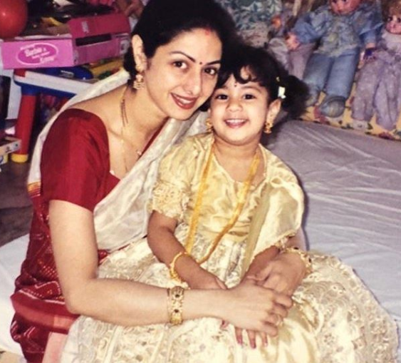 jahnvi kapoor mothers day