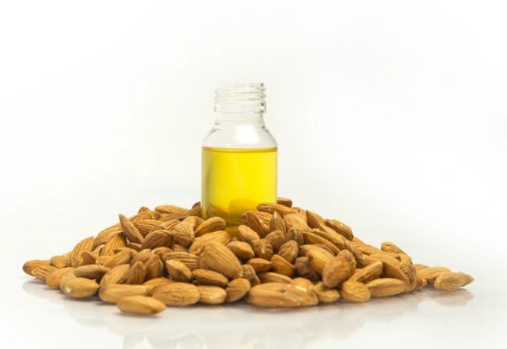 Home Remedies To Remove Stretch Marks In Telugu -almond