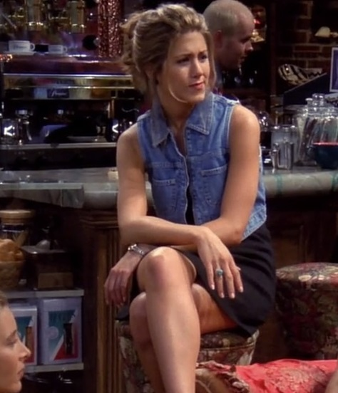 10-Rachel-Green's-Every-Chic-Outfit-On-Friends