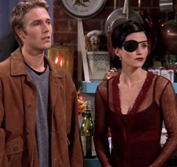 14-Monica-Geller-Every-Chic-Outfit-In-Friends