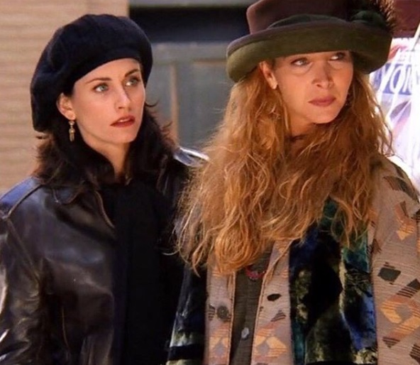 8-Monica-Geller-Every-Chic-Outfit-In-Friends