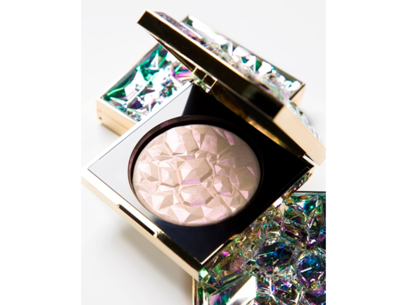 June-Beauty-Launches-New-Beauty-Products-skin-makeup Smashbox