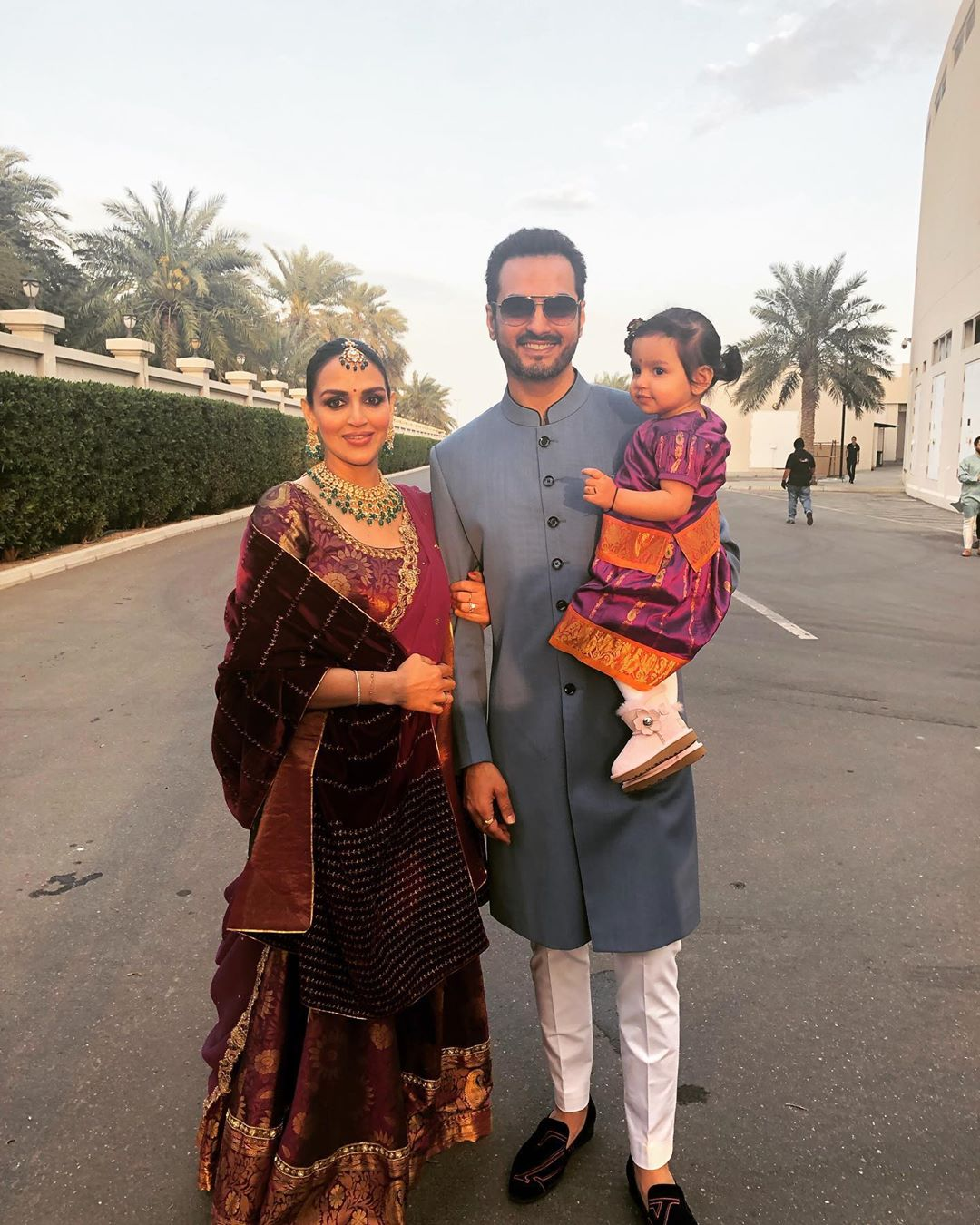 3-esha-deol-with-husband-bharat-takhtani-and-daughter-radhya