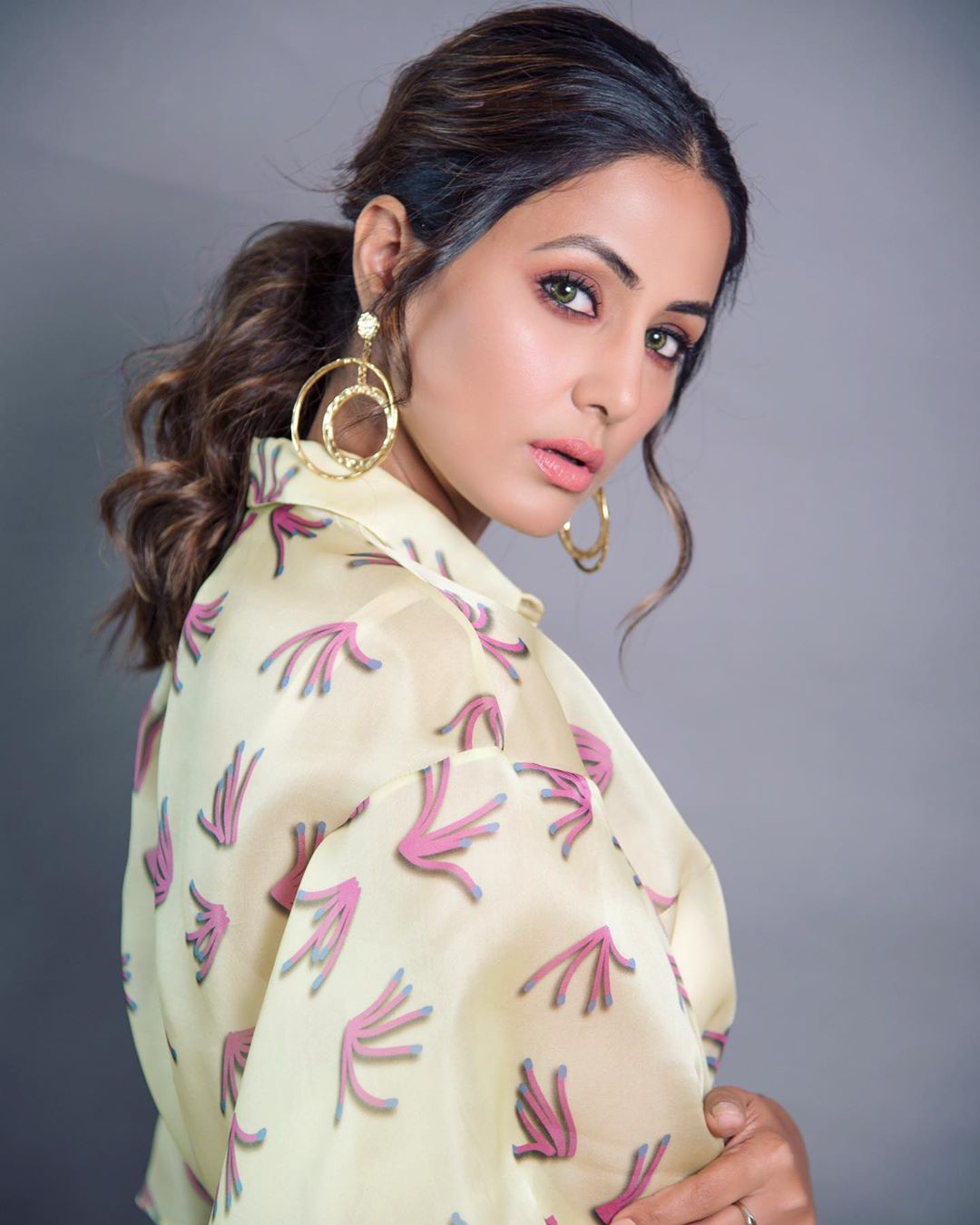 Hina Khan To Return On KZK2- Hina off white