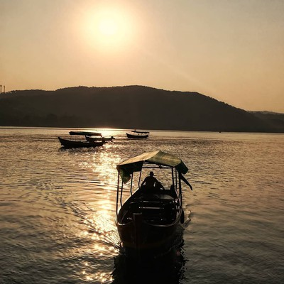 Waterboat - Romantic Places To Visit In Maharashtra