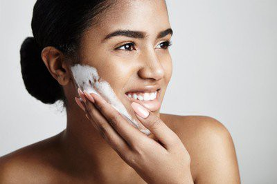 Precautions For Oily Skin In Marathi