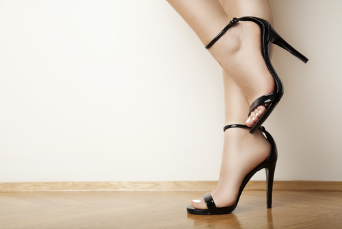 2 things to not do when you wear heels
