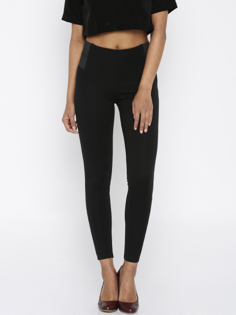 7 fashion essentials for college girls Black Leggings