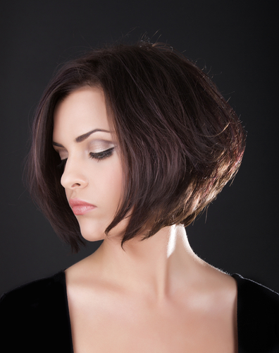 6 haircuts to make you look younger - short hair girl