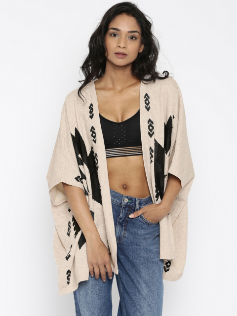 7 stylish capes and shrugs Vero Moda Light Beige Printed Shrug