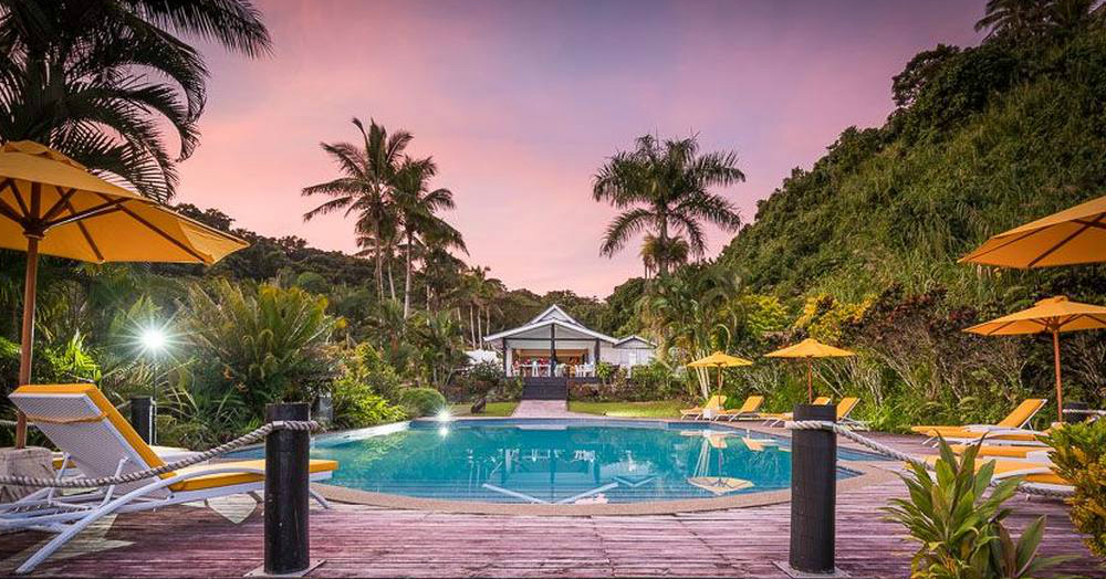 Swanky Honeymoon On A Budget? 7 Hotels That Won't Tease Your Pocket!