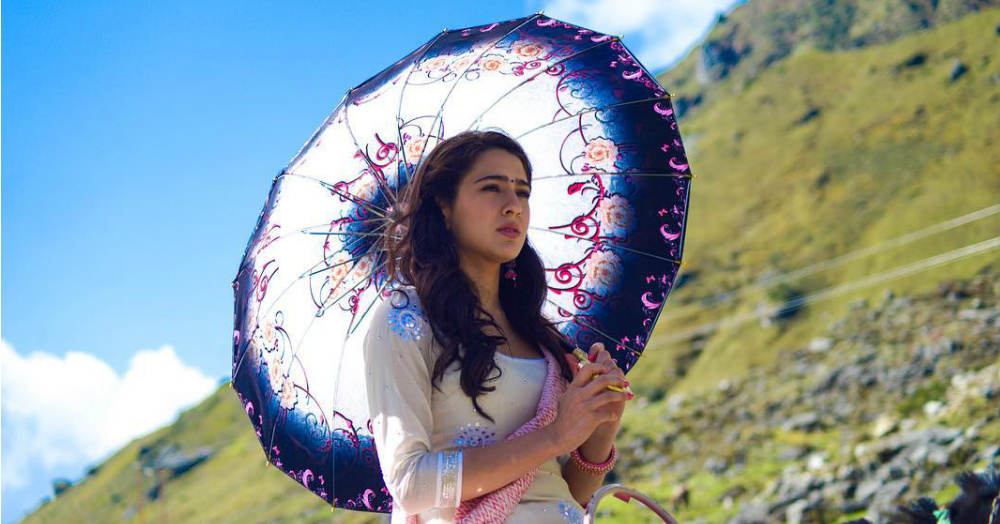 Stop Everything - Sara Ali Khan's Look From Her First Movie Is Out!