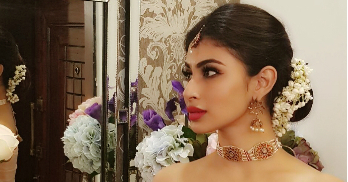 Mouni Roy, TV's Naagin, Is Slithering Into Bollywood Biggies & We're Here For It!