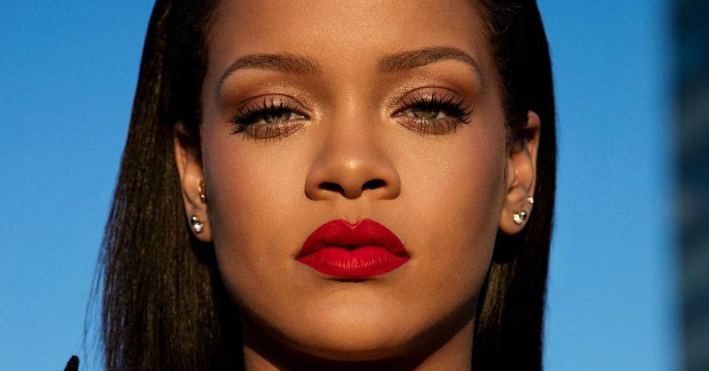 Rihanna Shows Off Fenty Beauty's 'One Red For All' Lip Paint In A *Stunning* Instagram Tutorial