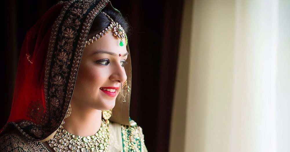 7 *Secrets* To Look Stunning In Your Wedding Photos!