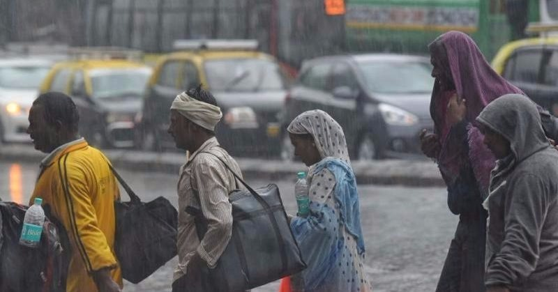 Your Guide To Staying Safe In Mumbai During Cyclone Ockhi