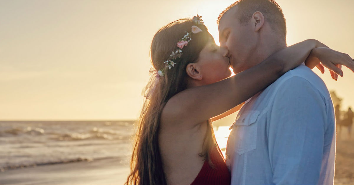 8 Signs You're A Good Kisser And You Just Didn't Know It!