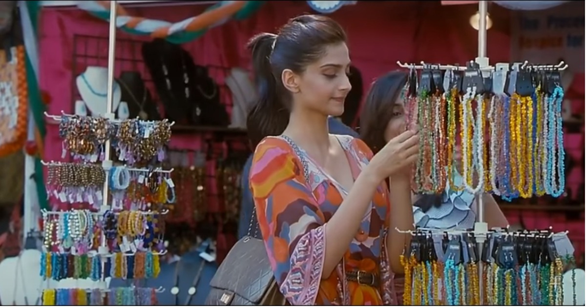 Love A Good Fashion Deal? Check Out The Best Markets In Mumbai For Street Shopping!