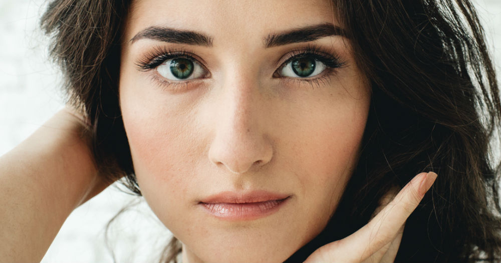 What's Better For Your Brows: Waxing Or Threading? We Find Out...