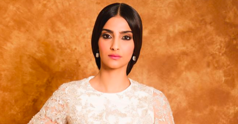 Sonam's First Look From Cannes Is Out & She Looks Like A Nayi Naveli Dulhan