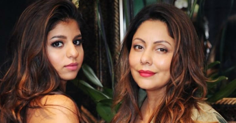 Shah Rukh Khan's Caption For Gauri & Suhana's Picture Will Make You Want To Hug Your Mom!