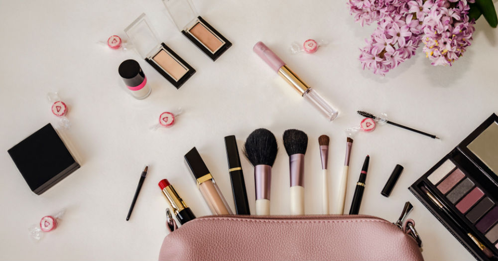 9 Beauty Organisers To Store Your Makeup, Coz Your Stuff Is Everywhere!