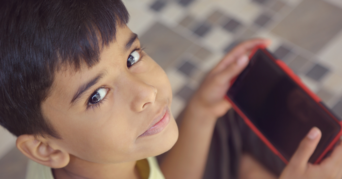 #ParentsSpeakUp: A Guide To Keeping Your Kids Away From Smartphones