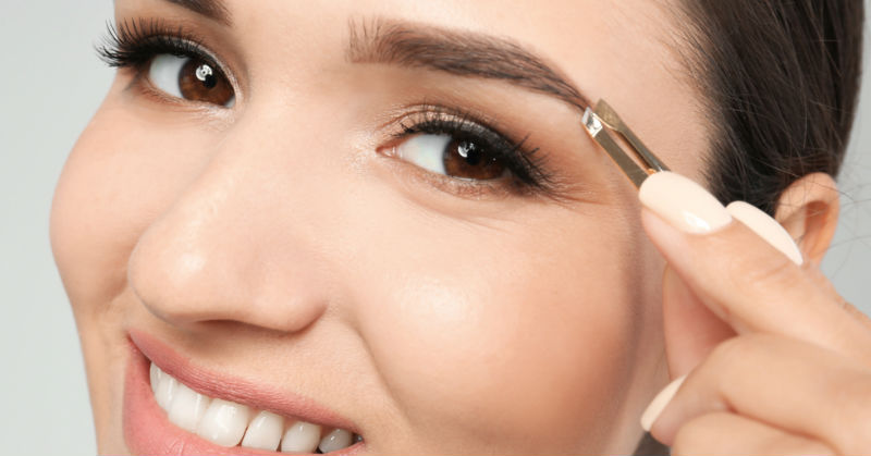 Do It Better Than Your Parlour Waali Didi:  7 Tricks To Pluck Perfect Eyebrows!