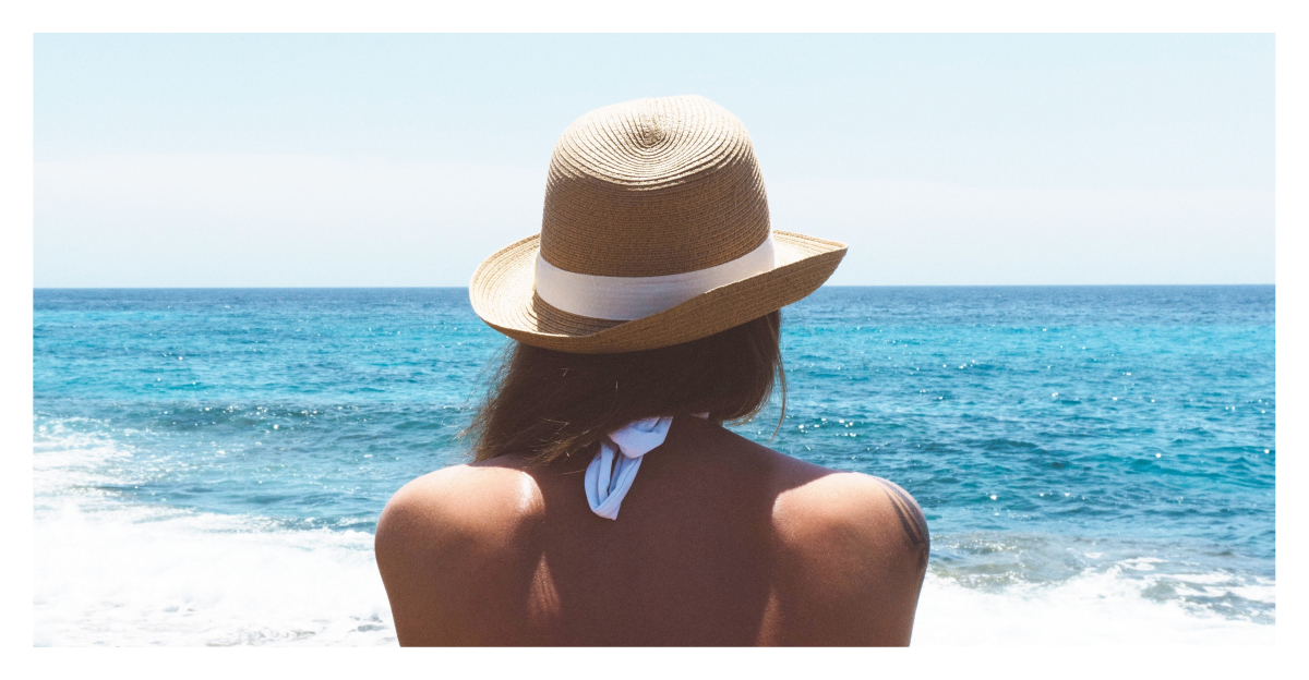 Ciao Bella! This Is What You Need To Avoid Hat Hair This Vacation