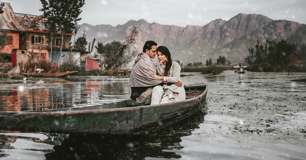 This Kashmir Pre-Wedding Shoot Looks Even More Romantic Than A Bollywood Movie!
