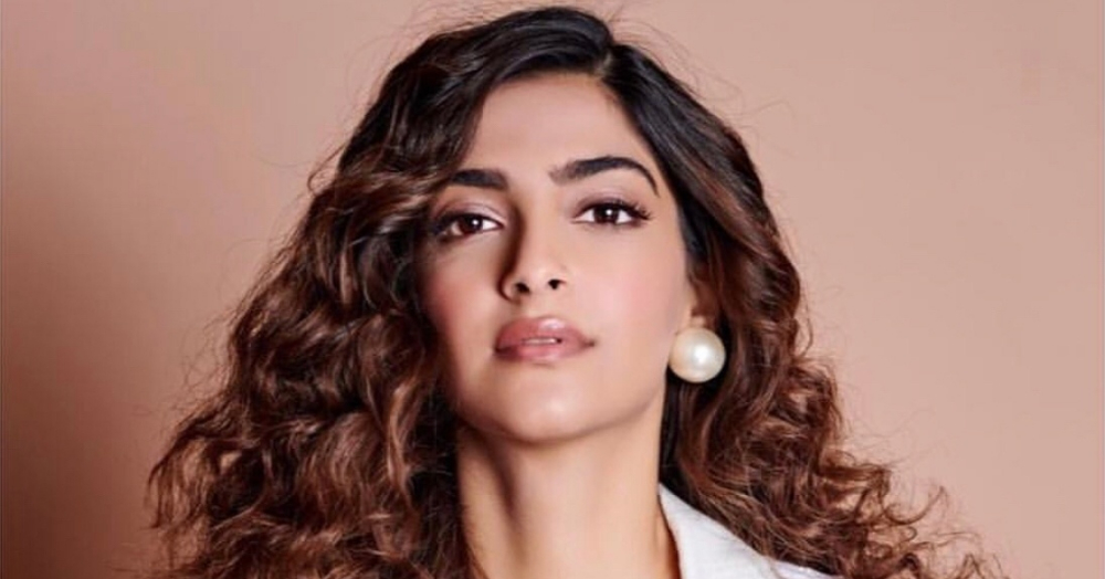 Sonam Kapoor's Latest Makeup Look Shows Us That She Means Business!