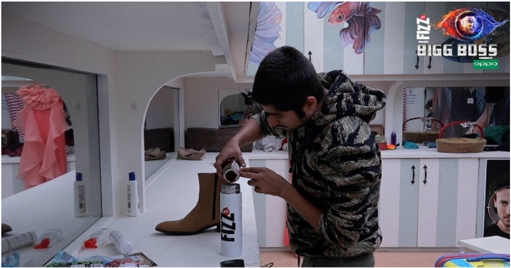 Bigg Boss Season 12 Episode 77: Deepak & Rohit Steal Ration From The Kitchen