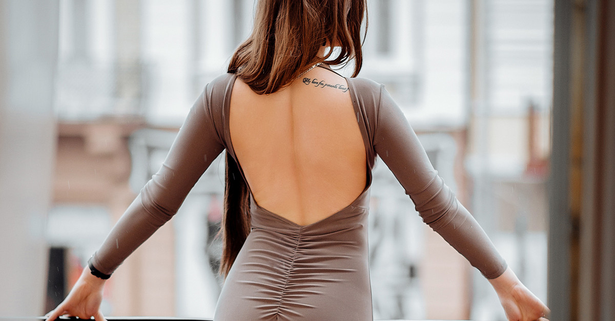 8 Simple Beauty Tips For A Smooth And Sexy Back!